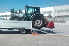 trattore con forestale